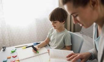 5 entscheidende Eigenschaften die dein Nachhilfelehrer besitzen muss [Do's and Don'ts]