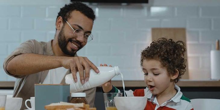 kid-eating-breakfast