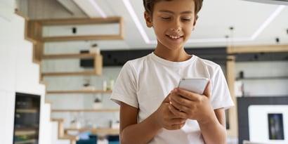 Votre enfant doit-il avoir un profil sur les réseaux sociaux ?