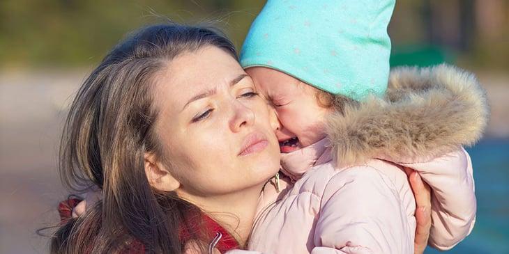Kind nach dem Tod Kind weint