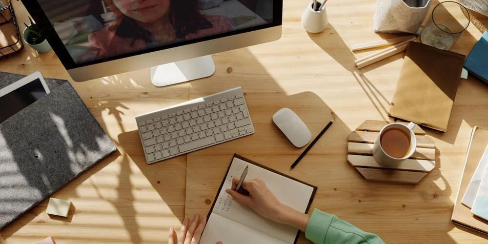 accessori per la didattica a distanza scrivania