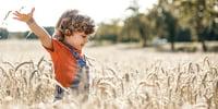 draußen-spielerisch-lernen-ideen-fuer-outdoorspiele