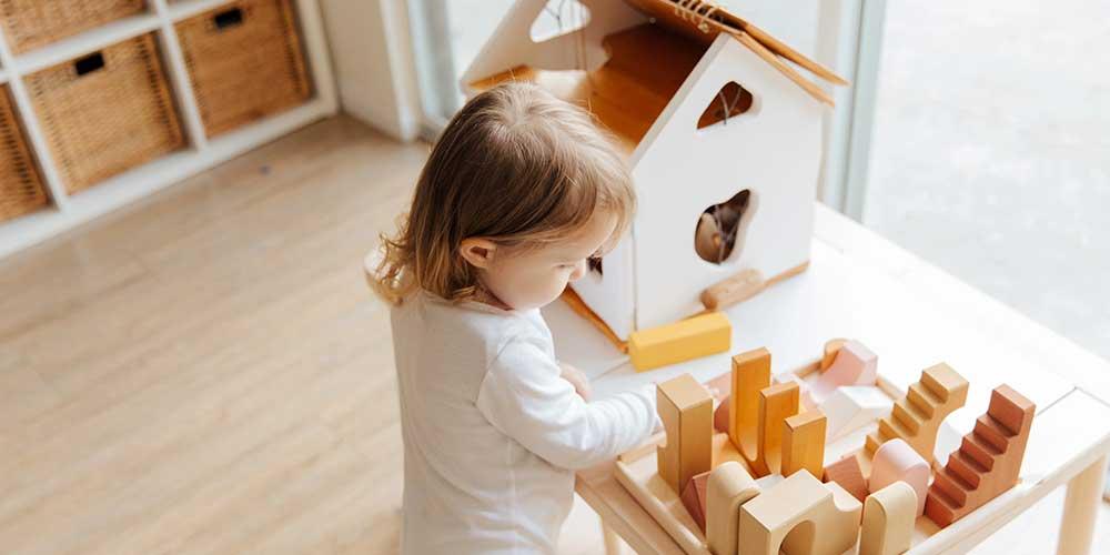 montessori-uebungen-kinder-zuhause